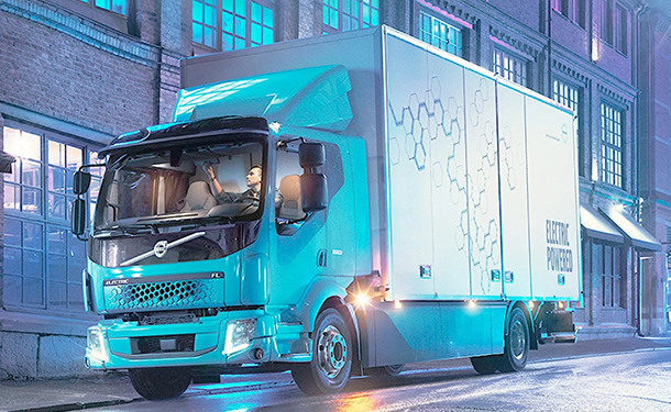 فولفو للشاحنات تقدم شاحنتها الكهربائية الأولى FL