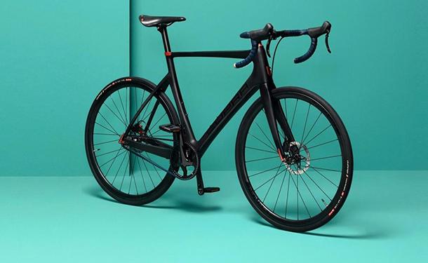 كوبرا الإسبانية تقلد لامبورجيني وتقدم أول دراجة هوائية من تصميمها
