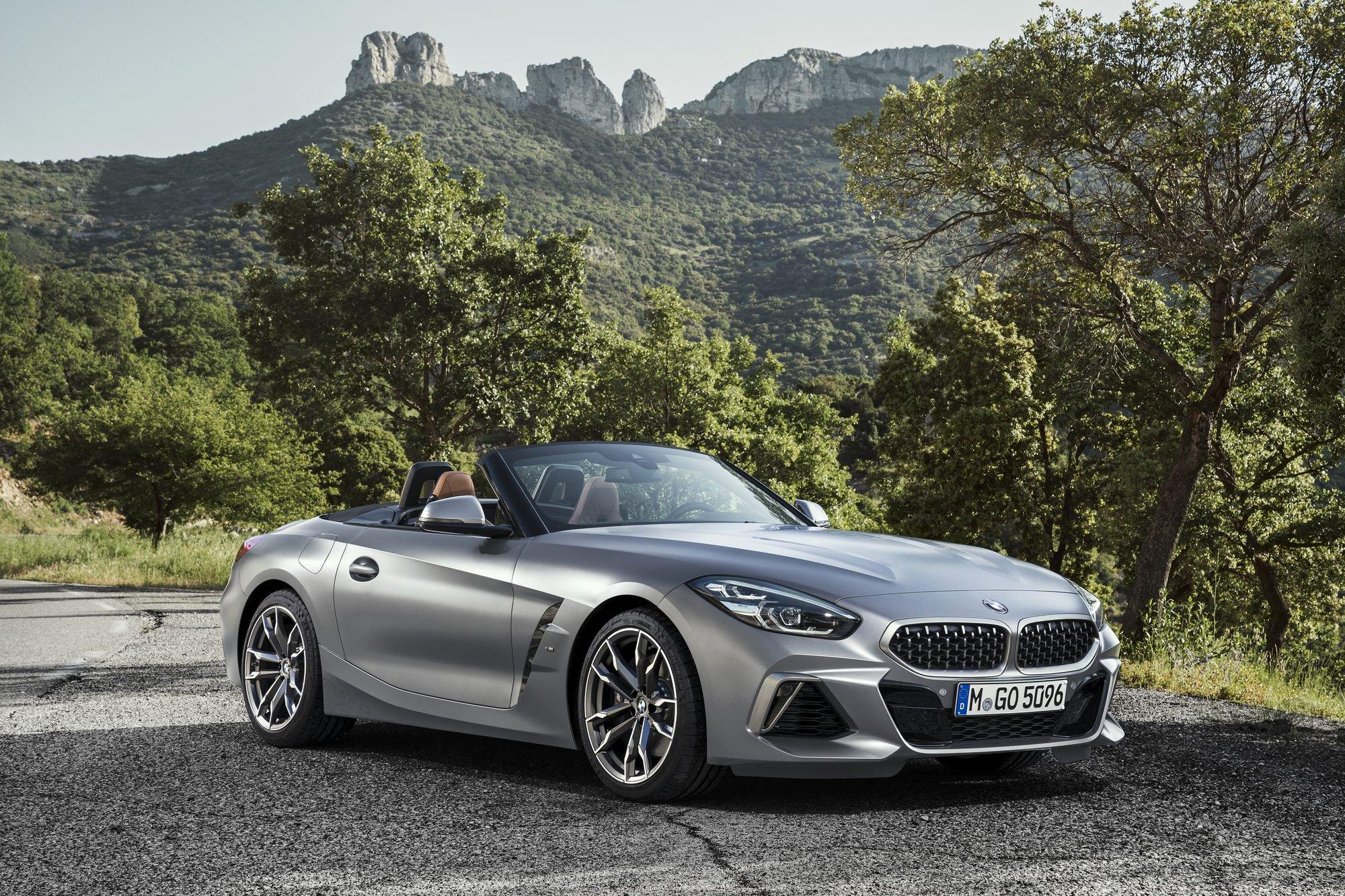 شاهد: BMW تكشف لأول مرة عن مواصفات فئات عائلة Z4 الجديدة