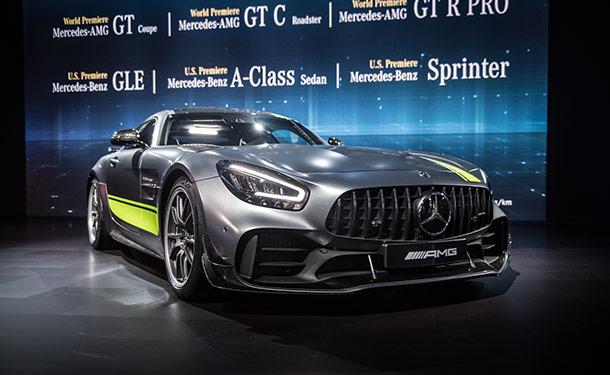 لوس أنجلوس 2018: مرسيدس-AMG تطلق فئة PRO الجديدة من سيارتها GT R