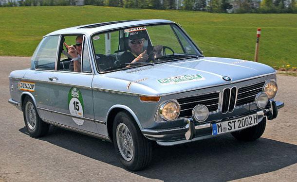 بي أم دبليو تشارك في سباق هامبورج-برلين للسيارات الكلاسيكية