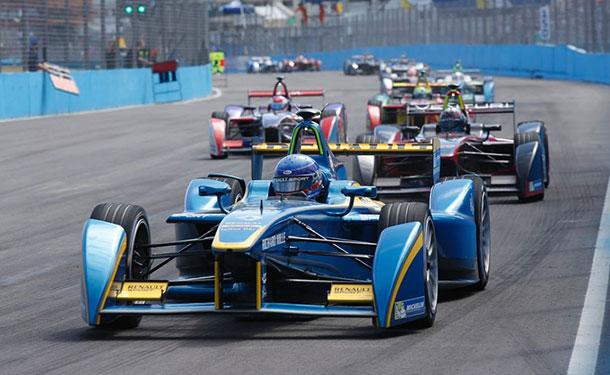 BMW تعلن عن مشاركتها في بطولة فورمولا E للسيارات الكهربائية