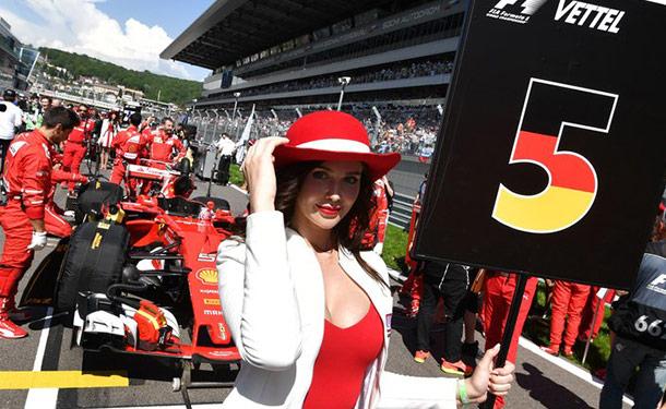 لهذا السبب ستوقف فورمولا 1 الاستعانة بفتيات الدعاية بحلبات السباق
