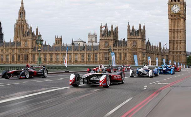 فورمولا E تضيف سيارات ذاتية القيادة للبطولة في 2016