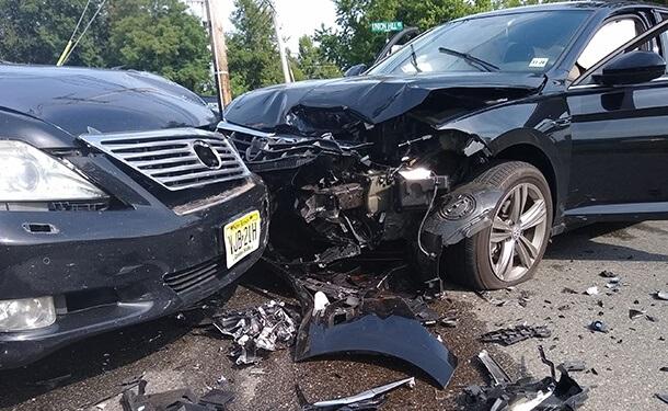 نصائح اتبعها لضمان سلامتك وتفادي حوادث السيارات