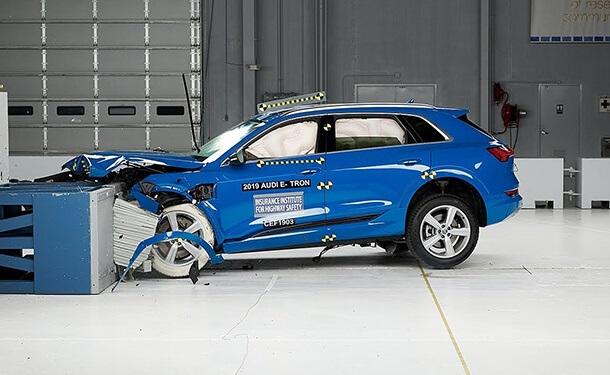 سياره أودي e-tron الكهربائية 2019