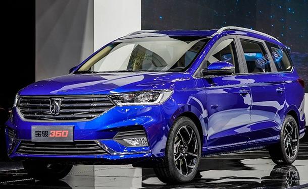 بكين 2018: جنرال موتورز تقدم باجون 360 الجديدة في الصين بسعر اقتصادي جدا