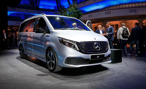 سيارة مرسيدس-بنز MPV كهربائية