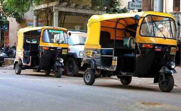 إجراءات استبدال مركبات التوك توك بسيارات ميني فان جديدة