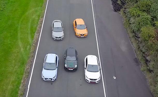 سيارات-الوان-اشجار-طريق