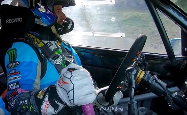 كين بلوك يقدم صورة واقعية لكيفية قيادة السيارات في سباقات الرالي الاحترافية