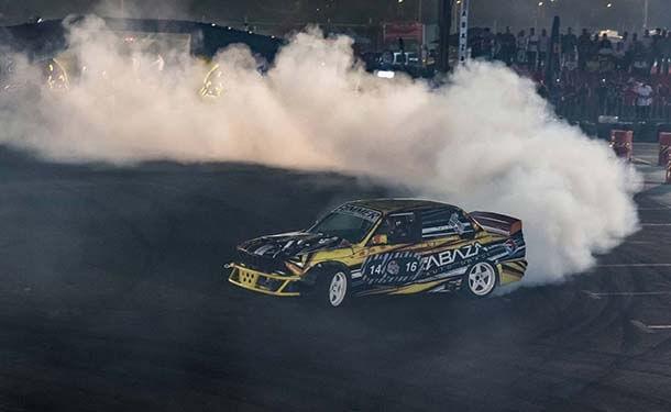 سيارات-ريد-بول-دخان-بطولة-مصر