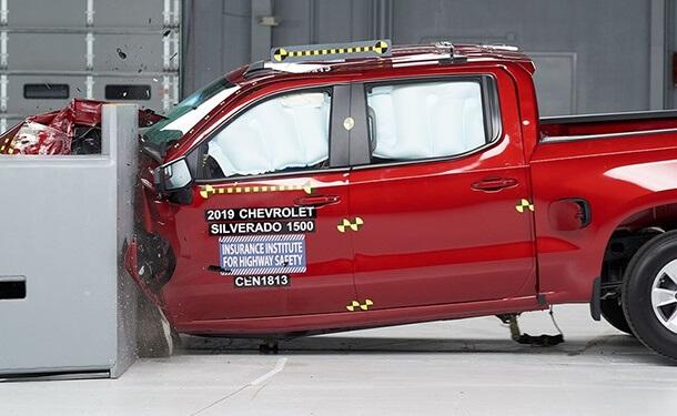 اختبار شاحنة شيفروليه سيلفرادو 2019 في اختبارات الأمان الأمريكية