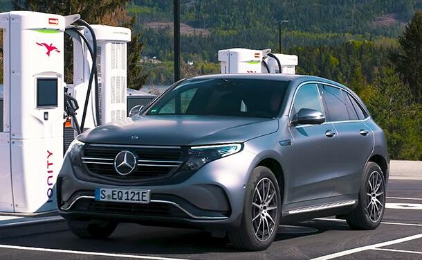 تجربة قيادة لسيارة مرسيدس-بنز الكهربائية EQC