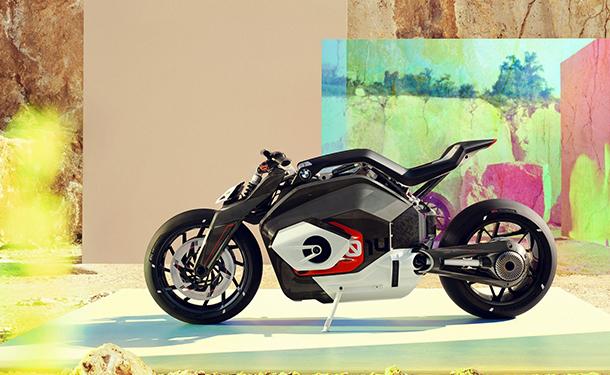 دراجة نارية كهربائية من بي ام دبليو