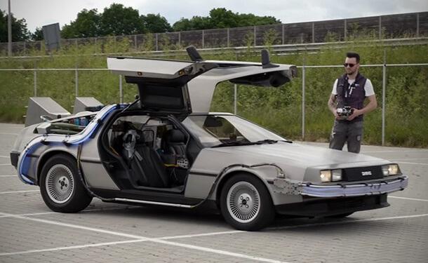 سيارة دلوريان من فيلم Back to the Future