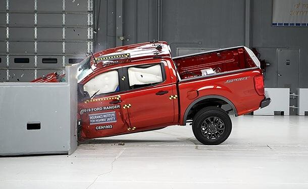 شاحنة فورد رانجر في اختبارات الأمان الأمريكية
